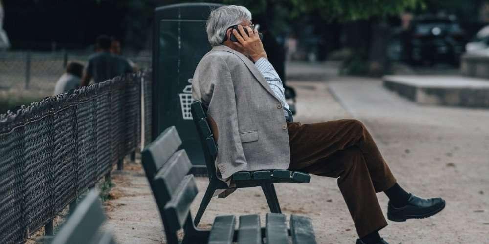 Seniorenhandy mit WhatsApp